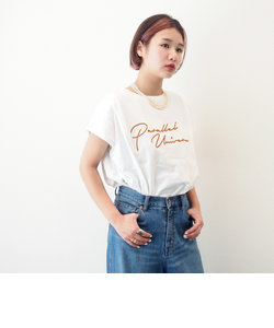 ロゴ刺繍タックTシャツ