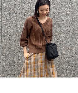 柄編みプルオーバーニット