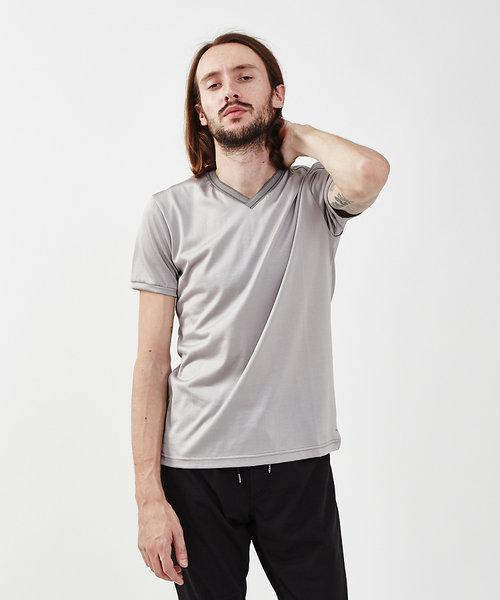 トリアセリバーニット VネックTシャツ