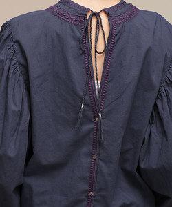 刺繍ギャザースリーブブラウス