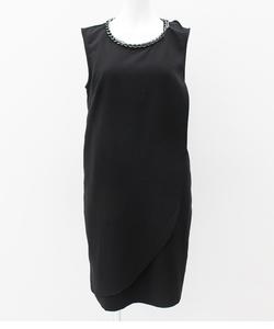 チェーントリミングラップドレス