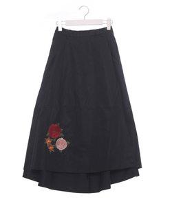 刺繍入りラップスカート