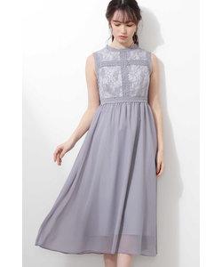 ラインレースドレス