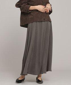 サテンフレアスカート