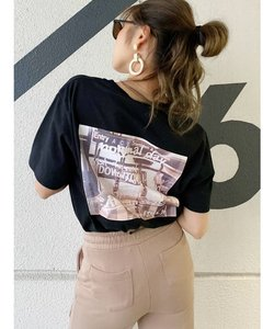 DOWN TOWN BUNNY Tシャツ