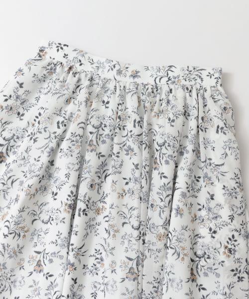 ボタニカルフラワープリントスカート
