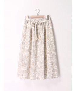 タイル柄スカート