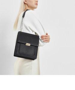 チェーンストラップ ポートレートメッセンジャーバッグ / Chain Strap Portrait Messenger Bag