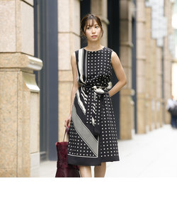 【E_EPOCA THE SHOP】スカーフプリント ドレス