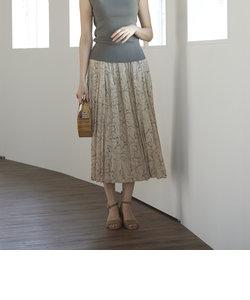 品よく揺らめくアートフラワー 褒められプリーツスカート
