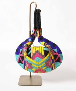 トライアングル刺繍バッグ