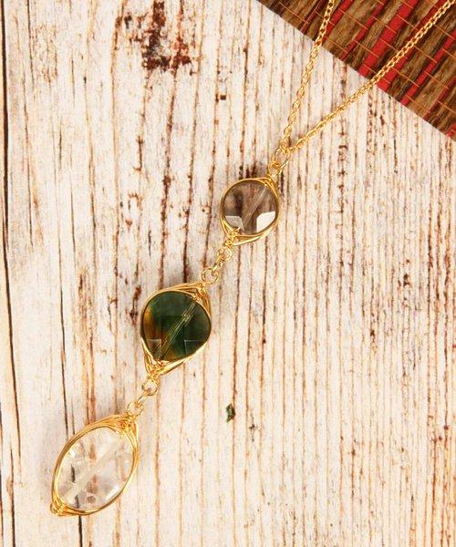 【こっくり色濃い秋アクセ】グリーン3粒天然石ネックレス