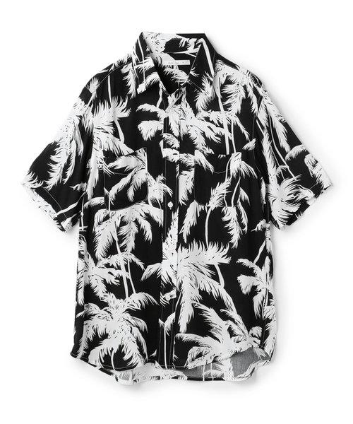 ヤシ柄プリントアロハシャツ