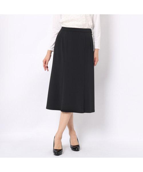 マーメイドシルエットのニットスカート