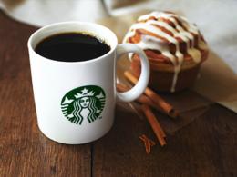 おすすめメニュー ドリップコーヒー、シナモンロール