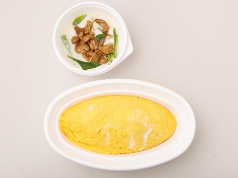 チキンとほうれん草の照焼クリームソースオムライス