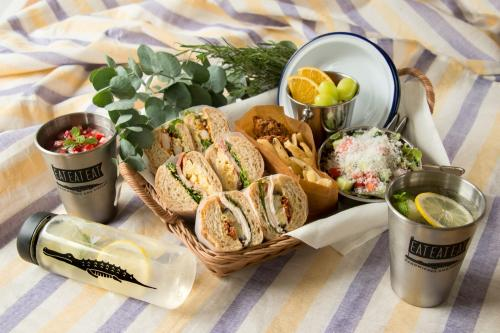 EAT EAT EAT-SANDWICHES AND COFFEE-