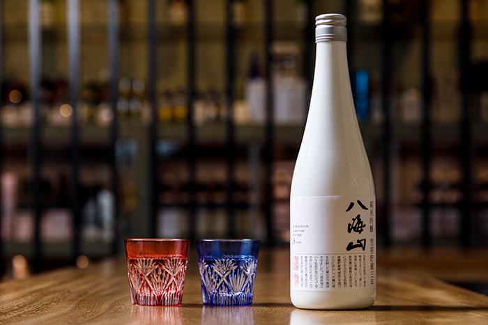 春天的乾杯是泡的日本清酒